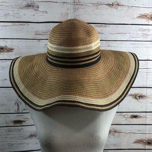 Jessica Simpson floppy hat